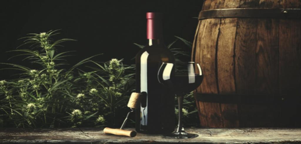 Une bouteille de vin rouge au cbd
