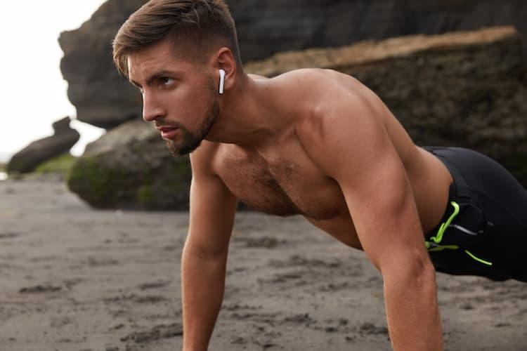 sportif concentré pendant ses entraînements
